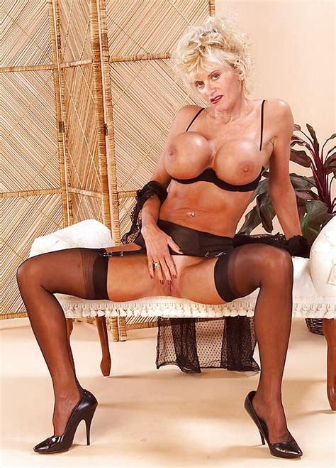 Mature Lady Utah Stockings Heels Fake Boobs 30 Pics