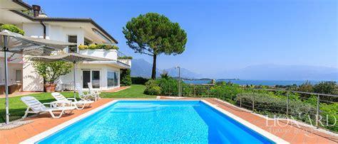huis kopen gardameer moderne luxe villa met zwembad aan het gardameer