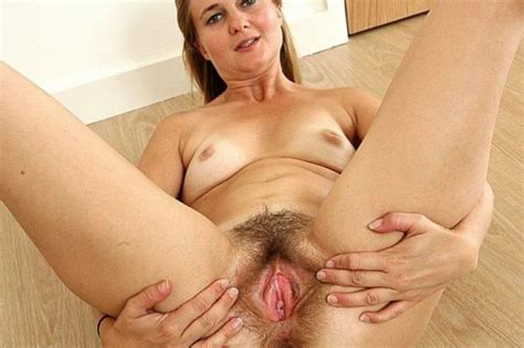 Mature Mom Spread Hairy Pussy Xxx Pics Fun Hot Pic