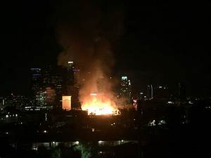 Massive downtown LA fire closes freeways, burns 3 towers ...
