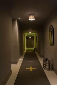Idée Déco Couloir Sombre : l 39 appartement design en 56 exemples par philippe starck ~ Melissatoandfro.com Idées de Décoration