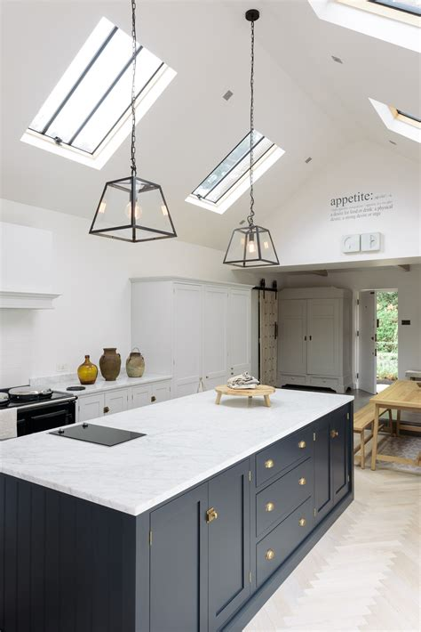 modern kitchen  modern spin  shaker style