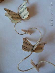 Guirlande Accroche Photo : des papillons sur le mur un fil sur la toile ~ Teatrodelosmanantiales.com Idées de Décoration