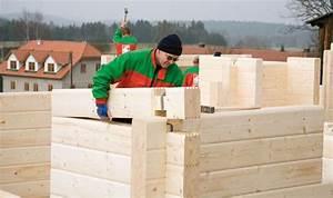 Holzhaus Kosten Schlüsselfertig : blockhaus traditioneller bau auch als fertighaus ~ Markanthonyermac.com Haus und Dekorationen