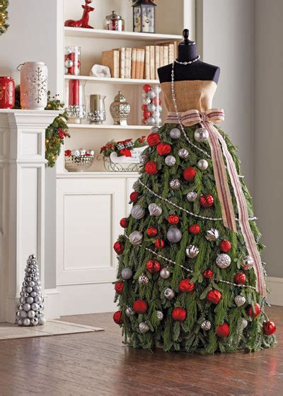how to make a christmas tree dress garden club