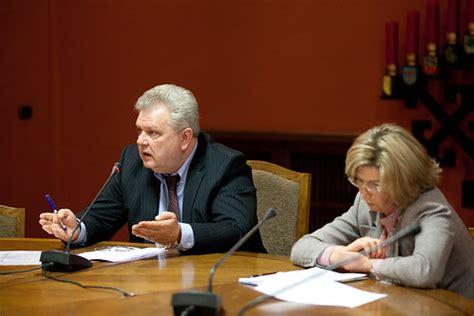 Publisko izdevumu un revīzijas komisijas sēde | 2012.gasa ...