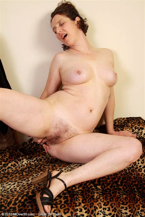 Elegant Milf Artemesia Flash Her Bewbies Milf Fox