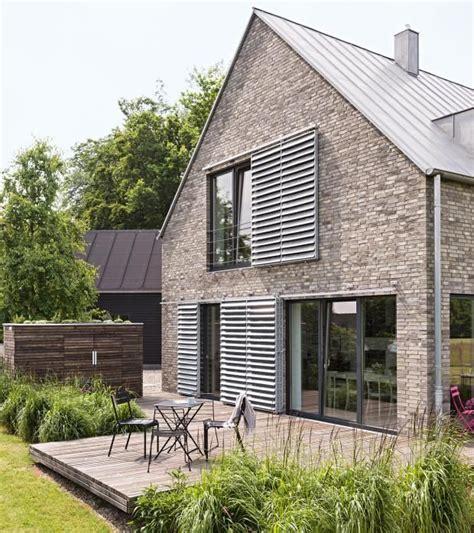 Fassadenbegruenung Pflanzen Schmuecken Und Schuetzen Das Haus by Fassadengestaltung Einfamilienhaus Gr 252 N Haus Deko Ideen