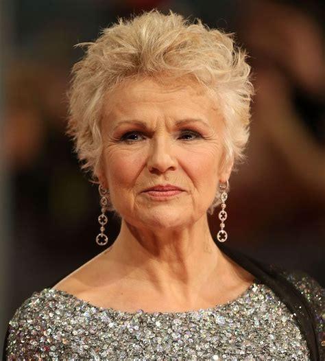 Coupe courte pour femme de 65 ans. Beauté : 21 plus belles exemples coiffure courte grise femme 60 ans - NoScrupules : Women's ...