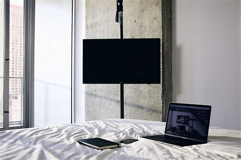 mofo pole lets  mount  tv