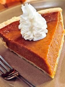 Perfect Pumpkin Pie | HGTV