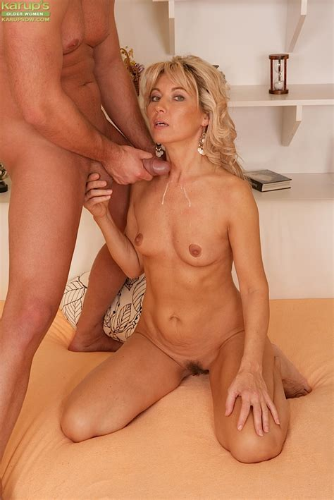 slim blonde cougar gives head and gets screwed for jizz on her rack