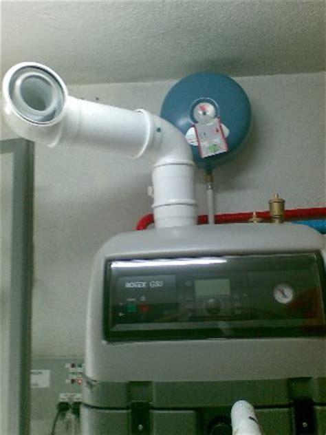 Termosifoni integrazione solare e condensazione