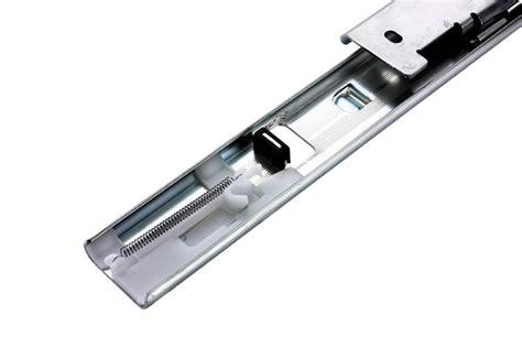 coulisse de tiroir avec dispositif de fermeture
