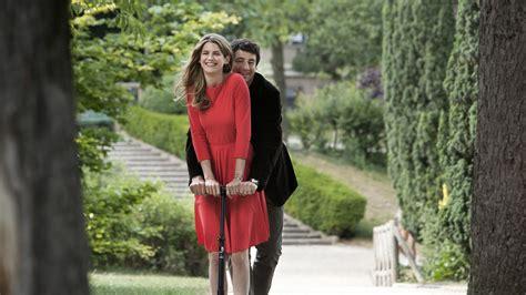 paris manhattan premieres in uk november 1 lellouche discusses allen the woody allen pages