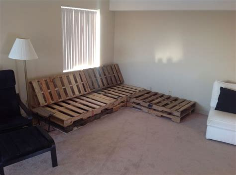 diy pallet with chaise lounge cushions are in