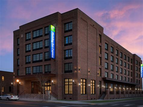 holiday inn express pensacola downtown hotel by ihg