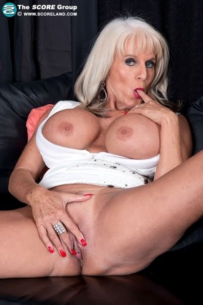 Scoreland Hot Mama Sally Dangelo 40 Photos