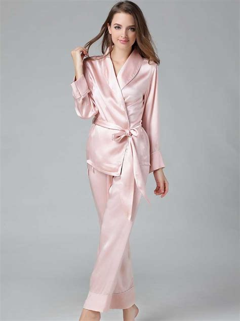 Classic Natural Silk Satin Sleepwear Long Silk Chiffon Pajamas For Ladies