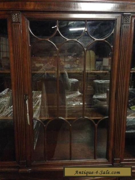 Duncan Phyfe China Cabinet 1950 by Vintage Mahogany Wood Glass Duncan Phyfe Style China