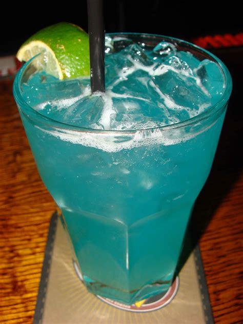 thursty thursday  maxs trumbull kitchen blue margarita