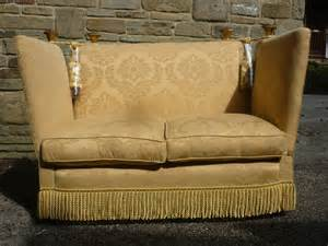 Knole Settee by 1920 S Knole Settee Small Compacted Antiques Atlas