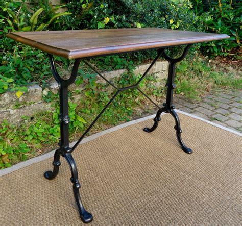 Table De Bistrot Bistro Table Ancienne Pieds En Fonte Et Plateau Rectangulaire En Chene
