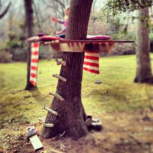Simple And Cute DIY Tree House For Your Kids' Outdoor