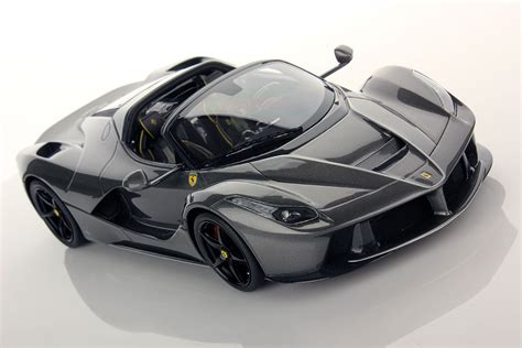Ferrari LaFerrari Aperta 1:18 | MR Collection Models