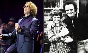 Mick Hucknall Tells How His Mother Walked Out On Him And Lied About Cancer Daily Mail Online
