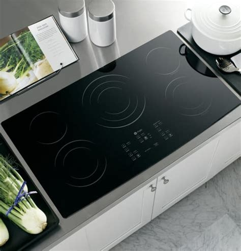 ge ppbmbb   smoothtop electric cooktop   ribbon elements powerboil element