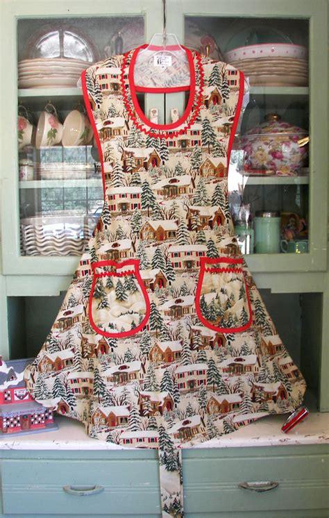 aprons  fashioned