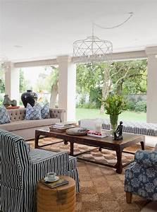 Arredare Casa In Stile Naturale Soggiorno Coloniale Con Fiori E Colori