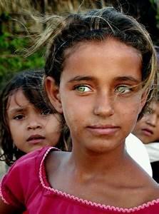 Yeux Pers Rare : les plus beaux regards du monde en 20 photos magnifiques portrait pinterest yeux ~ Melissatoandfro.com Idées de Décoration