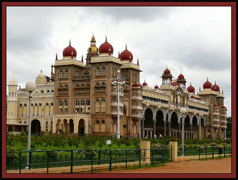 10 Most Beautiful Royal Palaces in India To Know The Real ...