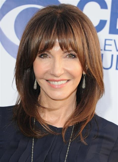 20 Gorgeous Shoulder Length Hairstyles for Women Over 50