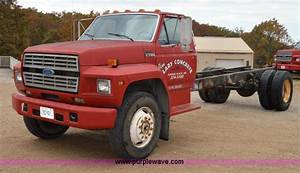 1990 Ford F700 Cab And Chassis