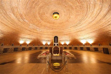 indias top  places   spiritual vacation conde