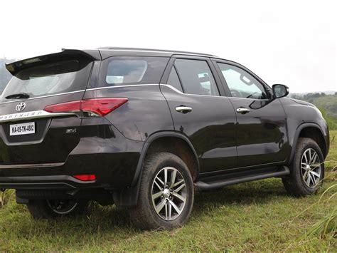 Toyota Fortuner Photo by Toyota Fortuner Wallpapers Free