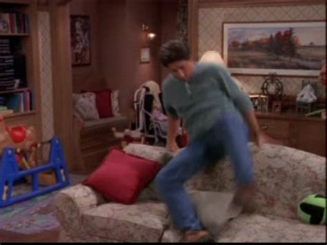 everybody raymond living room everybody raymond images 1x04 standard deviation hd