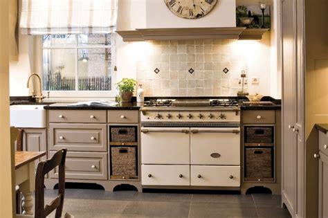 qualité cuisine hygena piano lacanche carrelages décorations basset