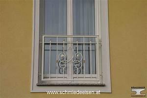 Franzosische balkone schmiedeeisen wohndesign und for Französischer balkon mit betonsäulen für gartenzaun preise