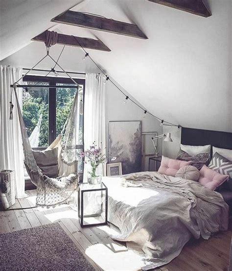 d馗o cocooning chambre les 25 meilleures idées de la catégorie chambre cocooning sur chambre coocooning placards de chambre de rechange et chambre aux