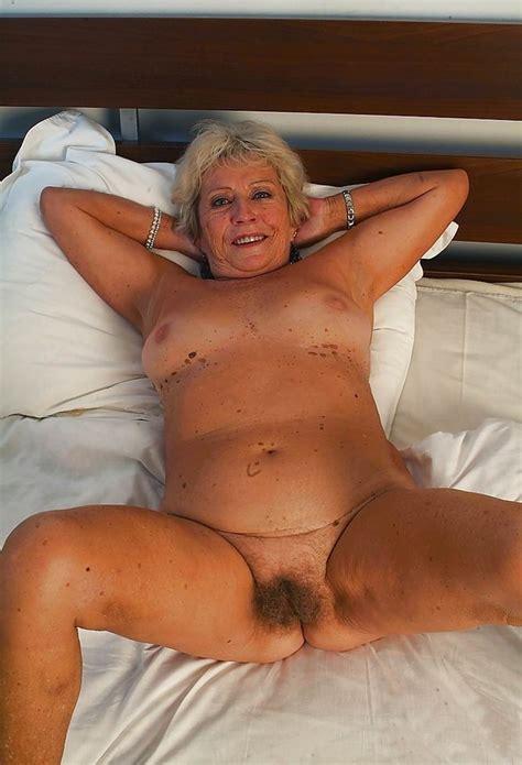 Granny And Mature Porn Pics 39 Pic Of 52