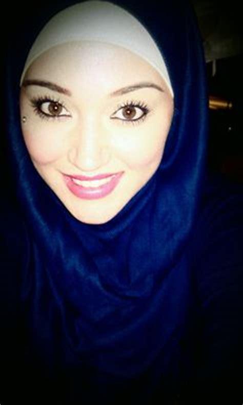 beautiful blue eyes muslim girl muslim girls hijab fashion pinterest muslim girls