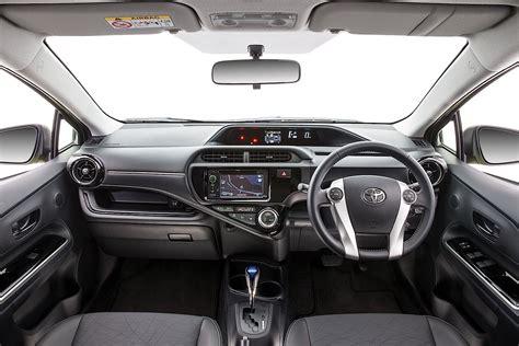 Toyota Car : Toyota Prius C (aqua) Specs & Photos