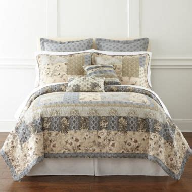 jcpenney bedspreads and quilts 25 best images about bedding for our new home master