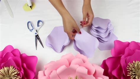 paper flower backdrop template diy paper flower backdrop colors template 13