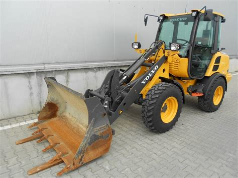 volvo lf skid steer loaders construction equipment volvo ce emea  equipment
