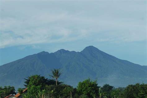 gambar wisata gunung salak endah bogor misteri sejarah